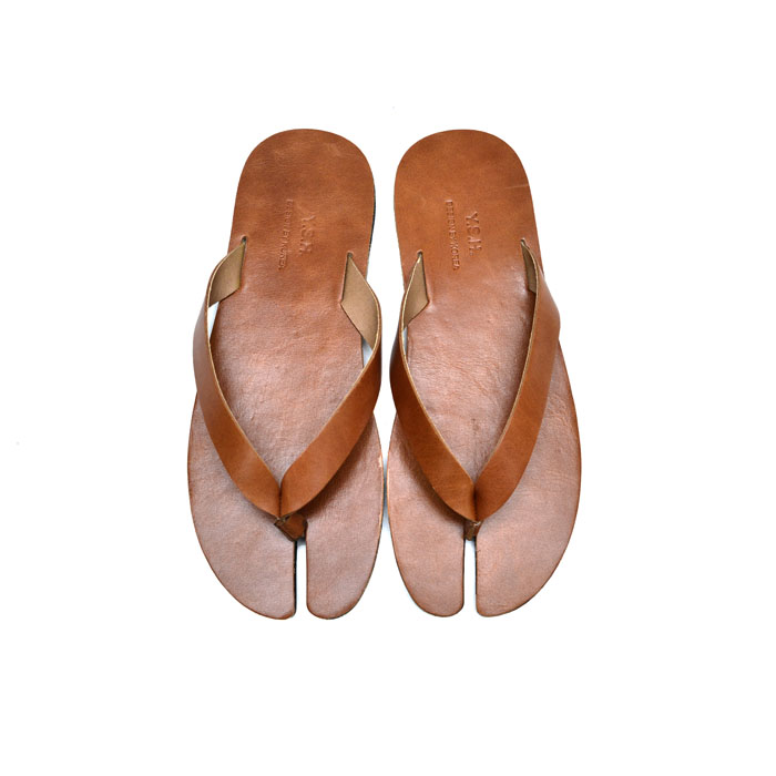 Cowhide Leather Tabi Thong-Shoes 826