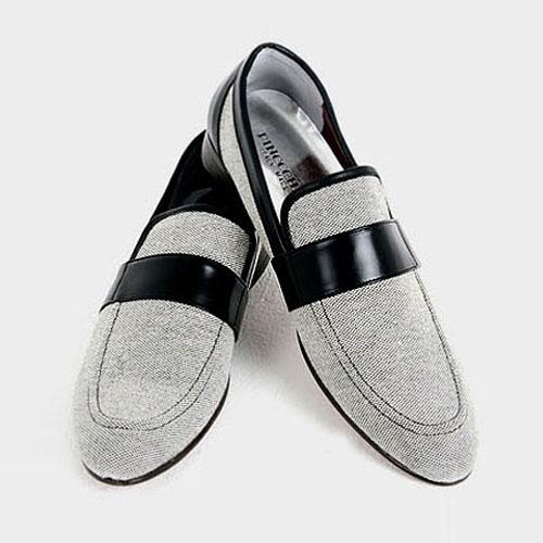 men's moccasin shoes
