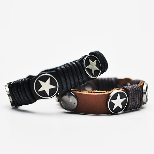 Funky Star Accent Leather Cuff-Bracelet 80