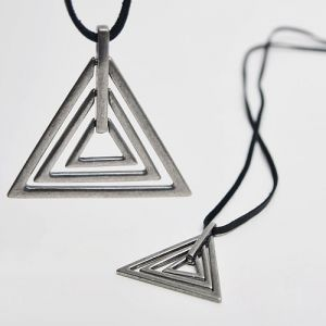 Abstrat Vintage Triangle Figure-Necklace 60