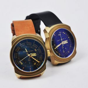 Sporty-Lux Big Gold Frame -Watch 39