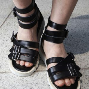 Tough-edge Leather High Gladiator-Shoes 179