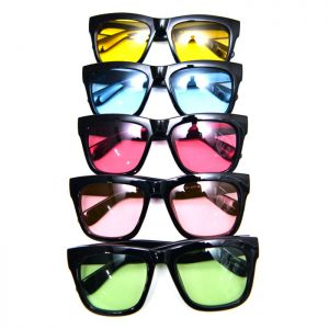 Retro Edge Tint Shading Sqaure-Sunglasses 95