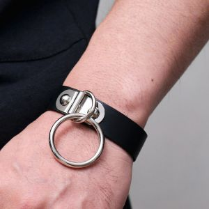 Big Ring Leather Cuff-Bracelet 429